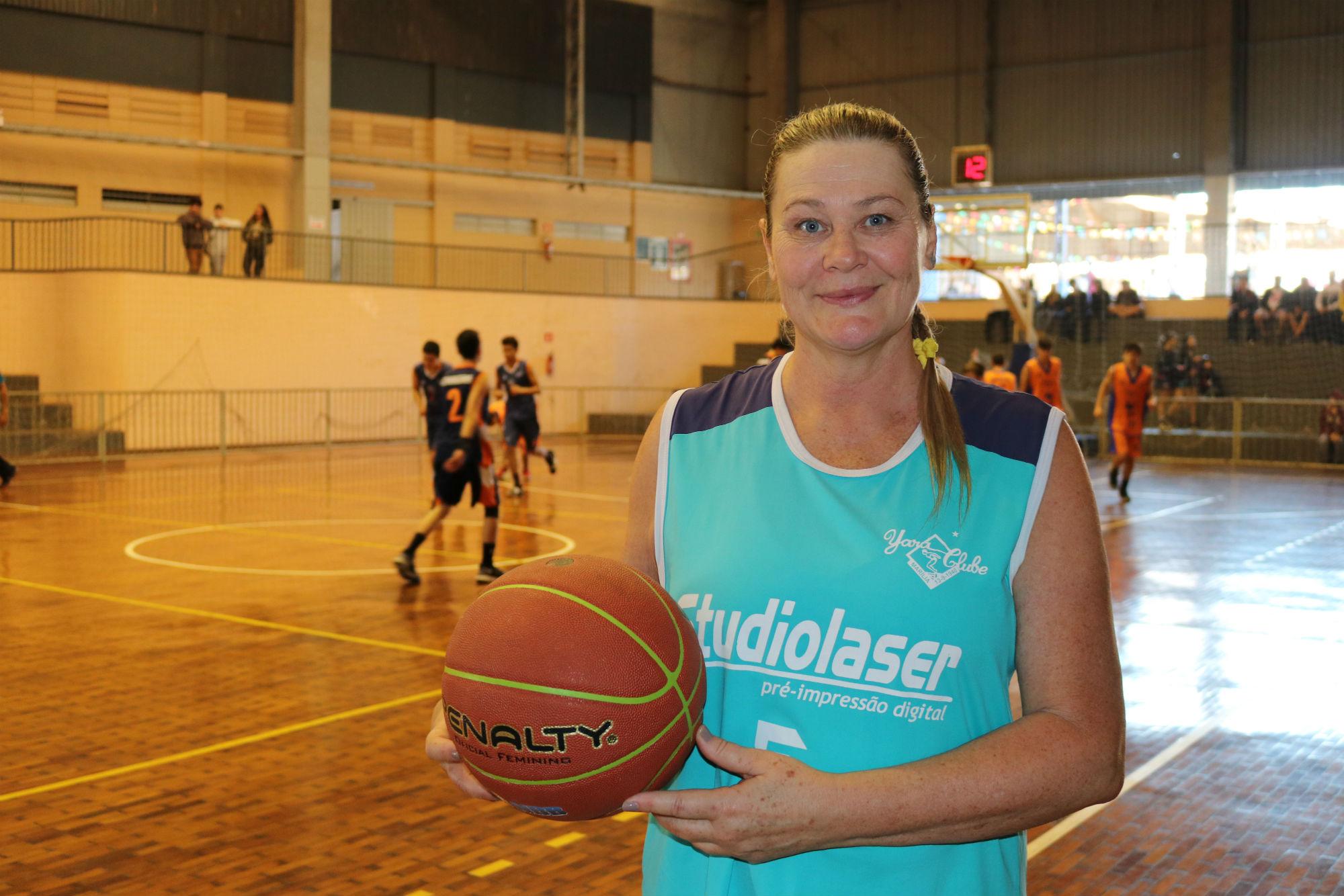 Jogadora do Yara Clube disputará mundial de basquete máster
