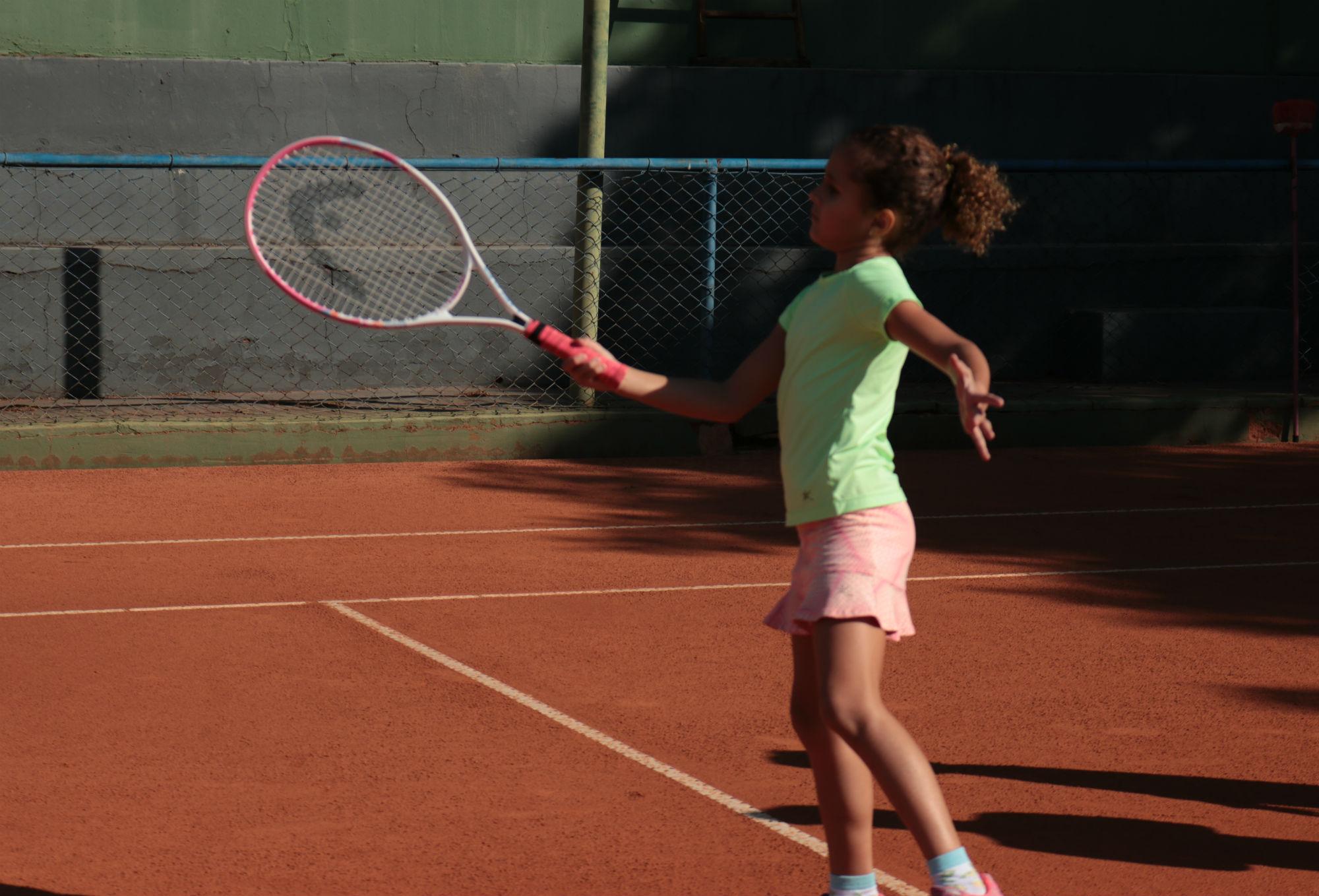 Tênis e os seus benefícios às crianças