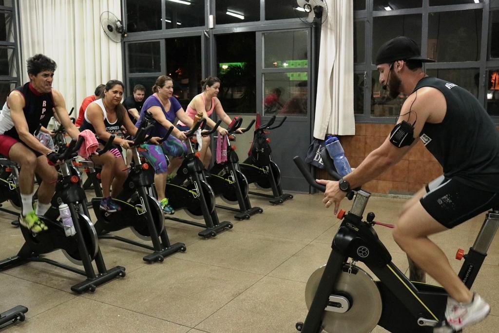 Prática de RPM para ganho de massa e força muscular